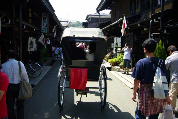 高山の人力車