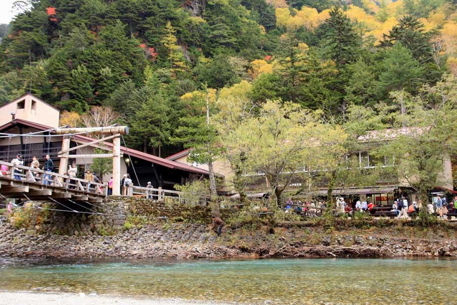 河童橋付近の秋景色(上高地)