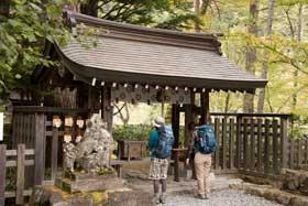 穂高神社奥宮は日本アルプスの総鎮守